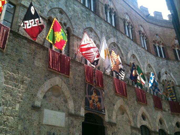 Storia de le Contrade di Siena